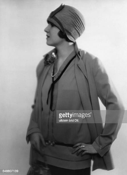 Gretl Schubert Actress in a ladies' suit with a hat undated about 1927 Photographer Atelier Balasz Published by 'Die Dame' 10/1927 Vintage property...