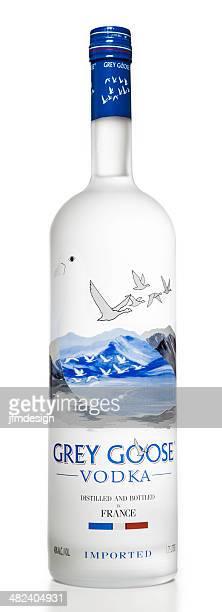 灰色グレーグースウォッカのボトル 1 本 - グレイグース ストックフォトと画像