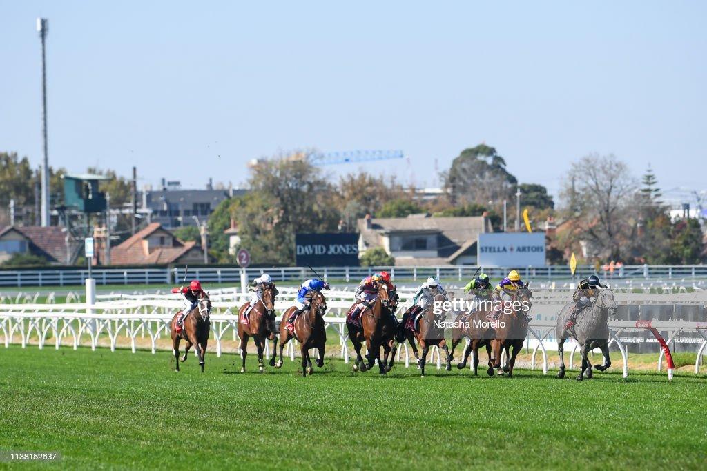 AUS: Melbourne Racing Club Race Meeting
