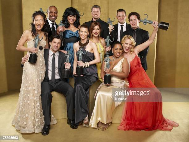 """Grey?s Anatomy"" cast, winner Outstanding Performance by an Ensemble in a Drama Series 12862_137"