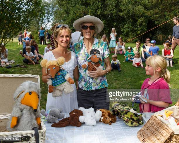 grey's green fete near henley - jim donahue stock pictures, royalty-free photos & images