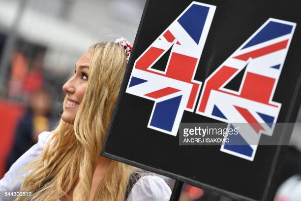 grid-girl-holds-the-number-44-of-mercede