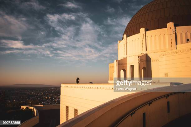 griffith observatory at sunrise - griffith park stock pictures, royalty-free photos & images