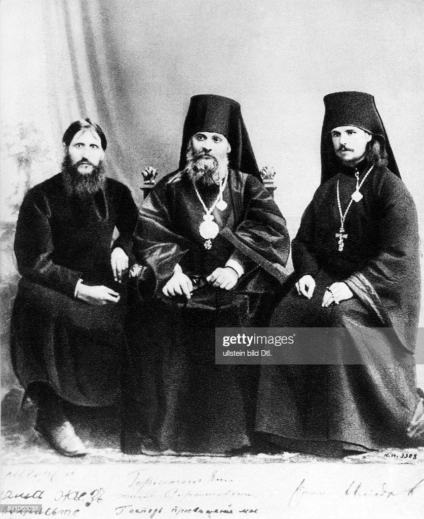Grigori Rasputin *22.01.1869-30.12.1916+monk, faith healer, Russia Rasputin (seated left), with Bishop Hermogen (center) and Iliodor. no date : News Photo