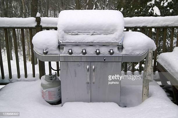 Grill im Schnee