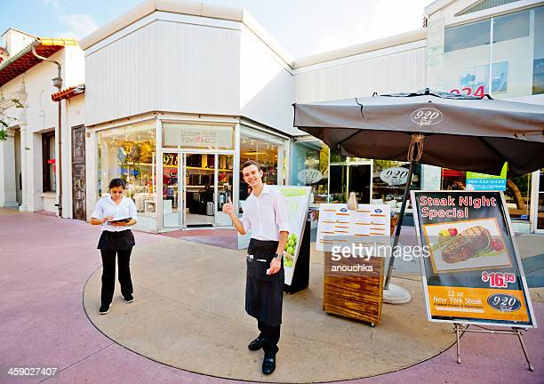 920 grill, lincoln road, miami beach - lincoln road stock pictures, royalty-free photos & images