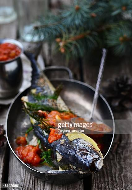 grill mackerel with tomato sause
