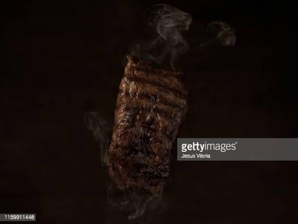 grill - smoked food fotografías e imágenes de stock