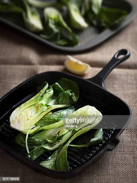 のグリル、チンゲン菜 - 白梗菜 ストックフォトと画像