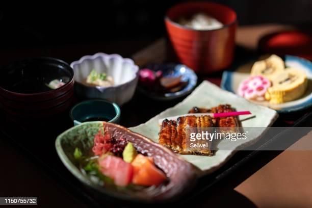 grilled eel over rice  combo - washoku fotografías e imágenes de stock