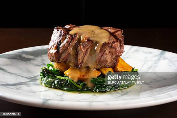 grilled fillet steak - fine dining stock pictures, royalty-free photos & images