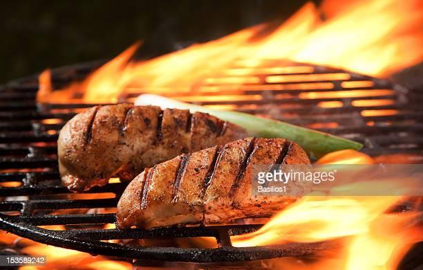 Grelhado carne sobre uma grelha