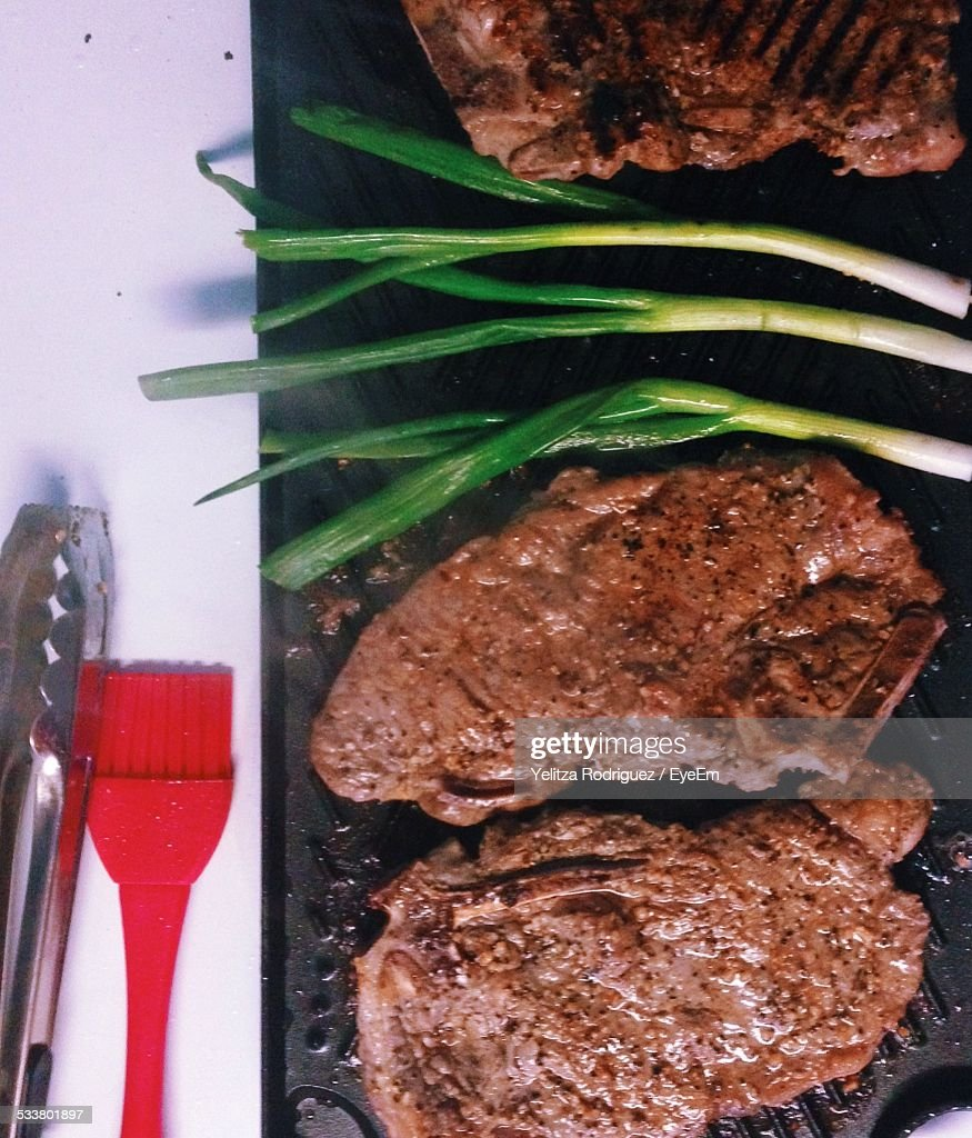 Grilled Meat On Tray : Foto stock