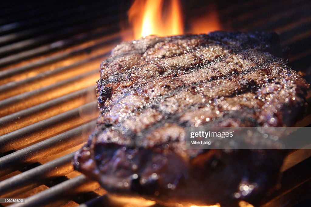 Grilled Steak with Flame : Foto de stock