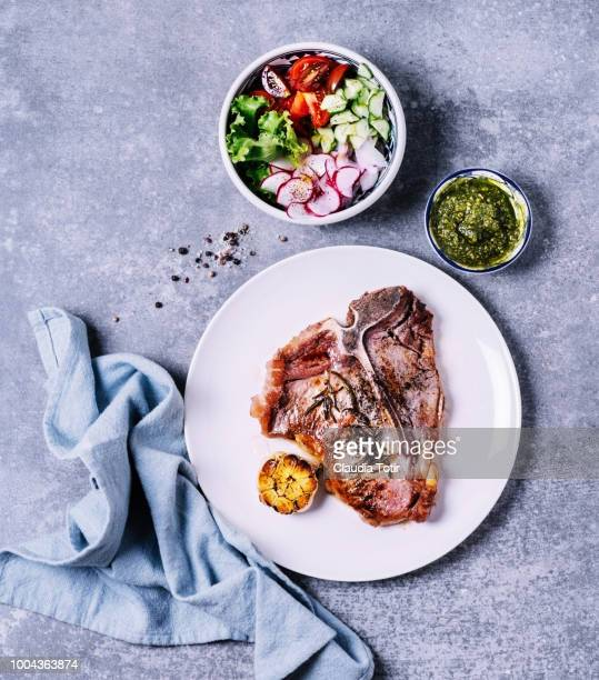 grilled t-bone steak - side salad stock pictures, royalty-free photos & images