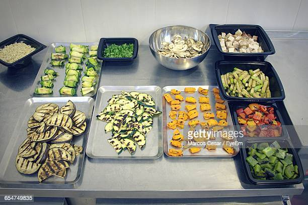 grilled vegetable platter - arrangement stock pictures, royalty-free photos & images