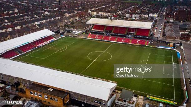 grimsby town football stadium - league two english football league stock pictures, royalty-free photos & images