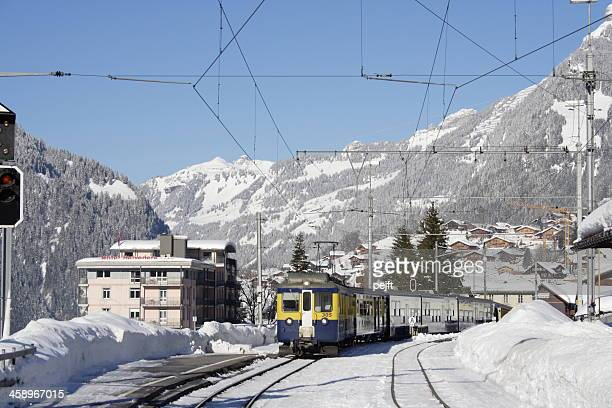 grindelwald - ski terrain train arriving - pejft stock pictures, royalty-free photos & images