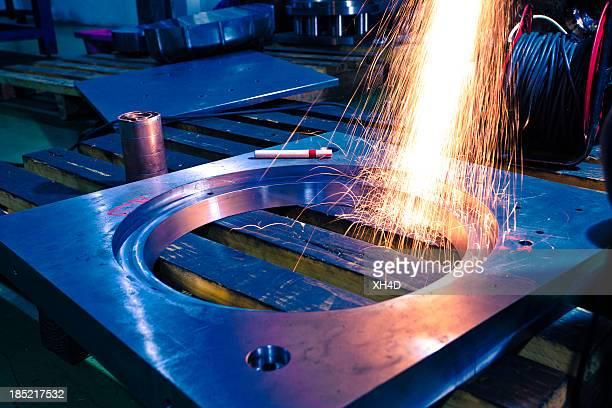 Schleifmaschine Arbeiten