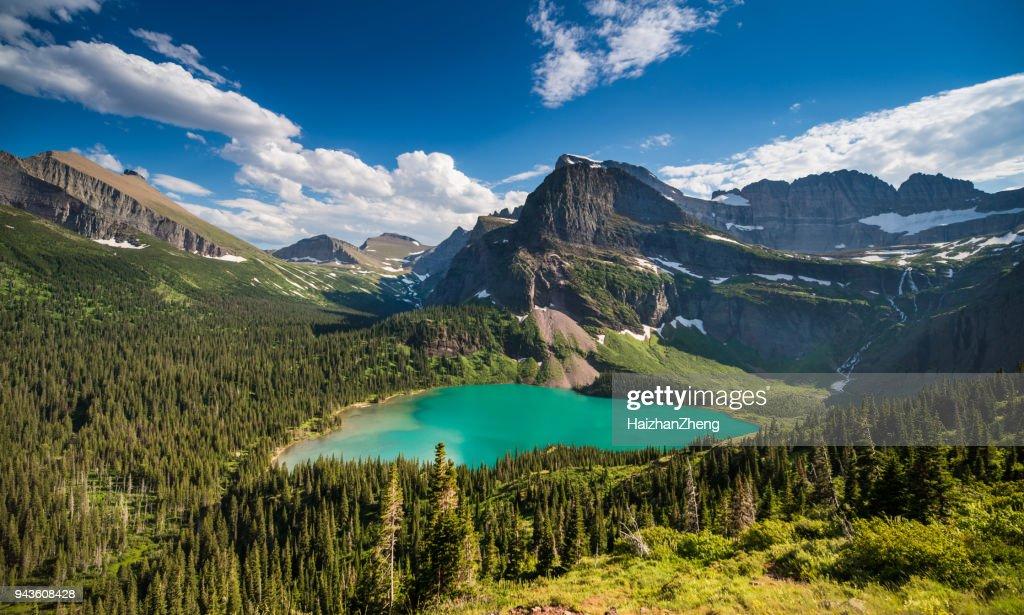 Grinnell Lago no Parque Nacional Glacier : Foto de stock