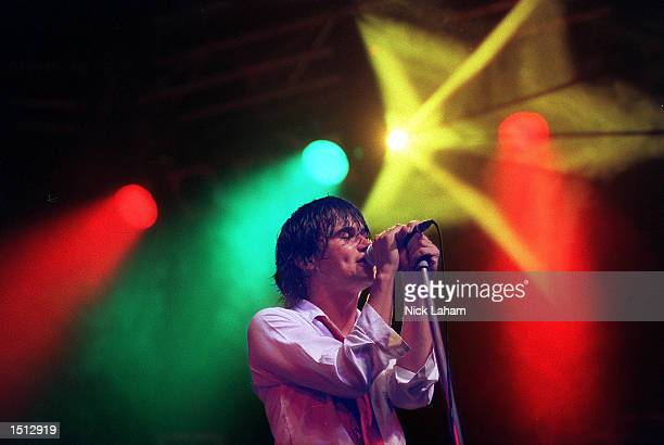 Grinspoon performs November 25 2000 during the Heatwave 2000 concert at the NorthPower Stadium in Sydney Australia