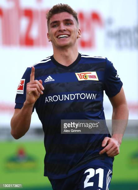 Grischa Proemel of 1. FC Union Berlin celebrates after scoring his team's first goal during the Bundesliga match between Sport-Club Freiburg and 1....