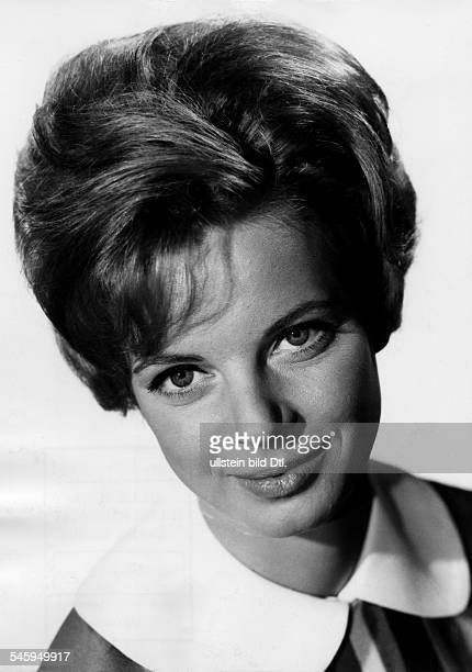 Grit Boettcher *Actress Comedian Germanyin the movie Er kann`s nicht lassen 1962