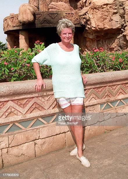 Grit Boettcher, Sun City, Republik Südafrika, Vergnügung- und Freizeitkomplex, Schauspielerin, Komödiantin, MW, P.-Nr: 743/1996, ;