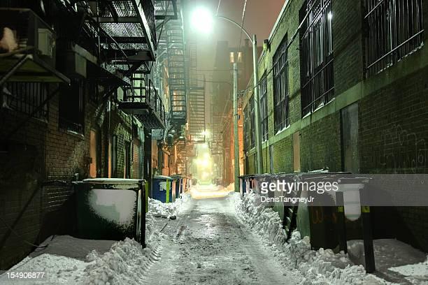 路地冬の粗い
