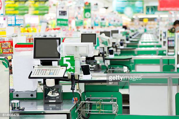 grocery store checkout - cashier stock pictures, royalty-free photos & images