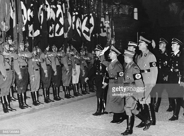 Großkundgebung im Lustgarten:Joseph Goebbels trifft ein; im Gefolge:der stellvertretende Gauleiter des GauesGross-Berlin der NSDAP, Artur...