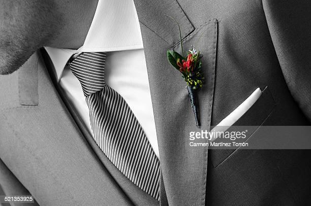 groom and corsage - solapa camisa fotografías e imágenes de stock