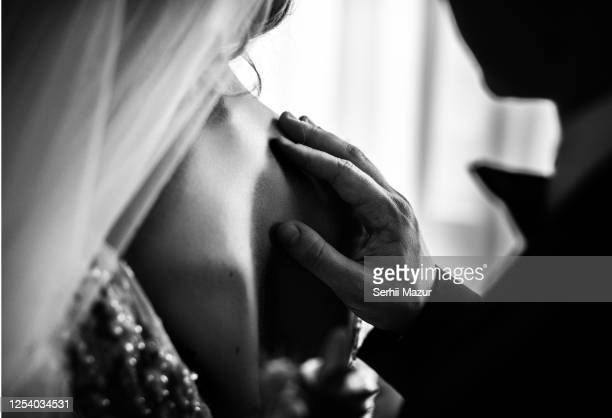 groom is going to meet her bride for a first time - marriage stock pictures, royalty-free photos & images