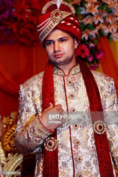 groom on stage - groom stock pictures, royalty-free photos & images