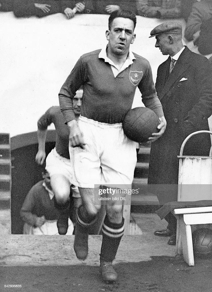 Fussballspiele, Grossbritannien, Pokalspiel Manchester City gegen Portsmouth im Wembley-Stadion. Kapitaen D. Thackeray : Foto jornalística