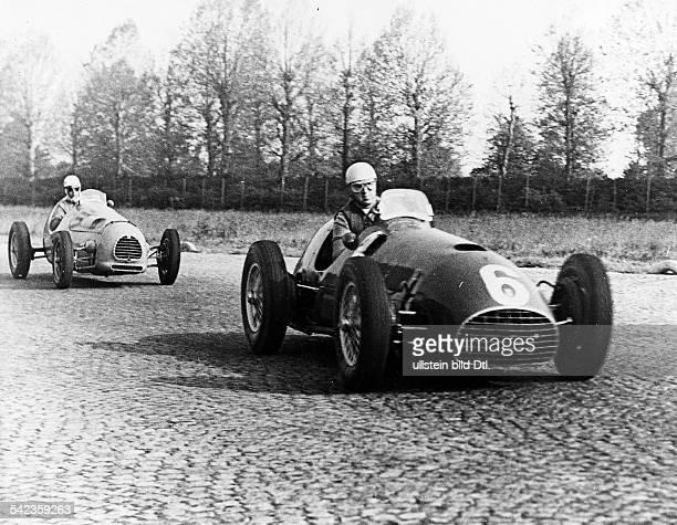 Grosser Preis von Monza 1951Vorn der spätere Sieger Alberto Ascari auf Ferrari