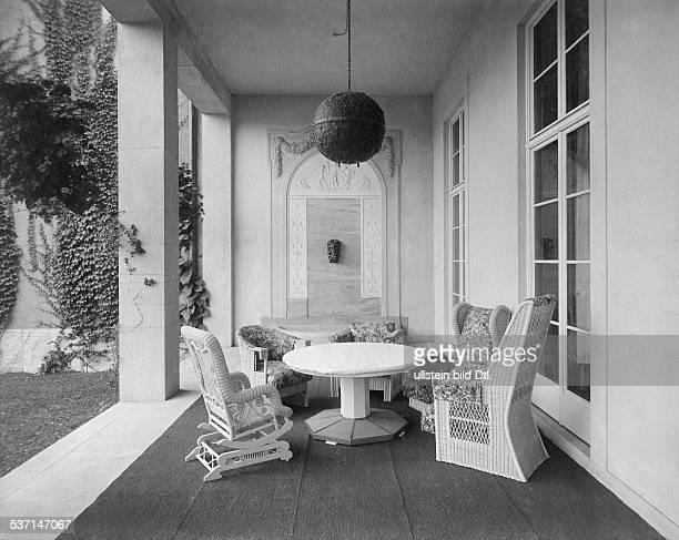 1872 1941 Grossindustrieller Heinenhof Potsdam Landsitz Carl Friedrich von Siemens die Terrasse mit Korbmöbeln 1912 Foto R Siegert