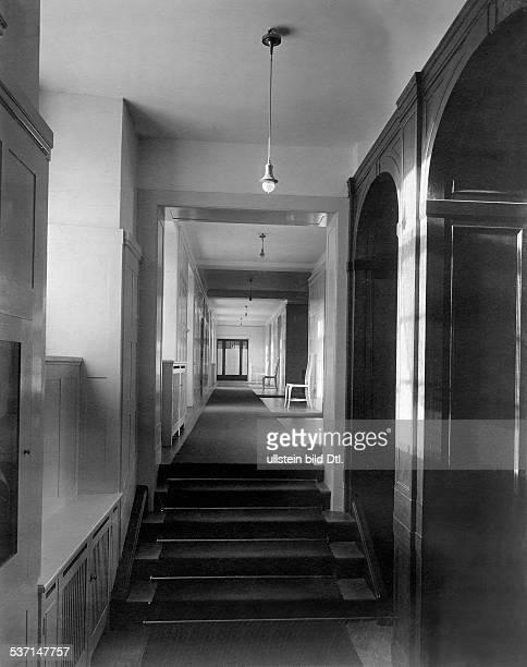 1872 1941 Grossindustrieller Heinenhof Potsdam Landsitzsitz Carl Friedrich von Siemens ein Flur 1912 Foto R Siegert