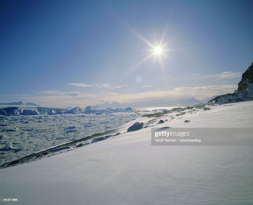 Ground drift along Antarctic Peninsula, Antarctica : Foto de stock
