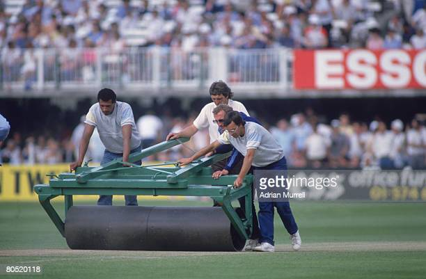 Groundstaff at Lord's Cricket Ground in London during the 2nd Test between England and Australia June 1985