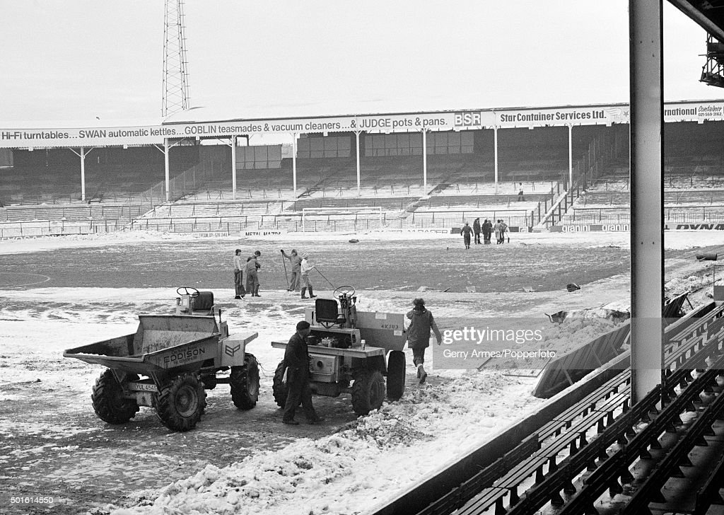 Snowbound At The Hawthorns : News Photo