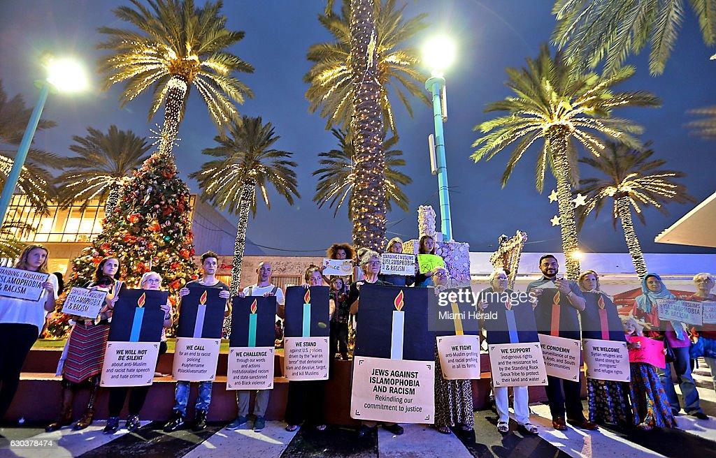 Anti-Islamophobia rally in Florida : News Photo