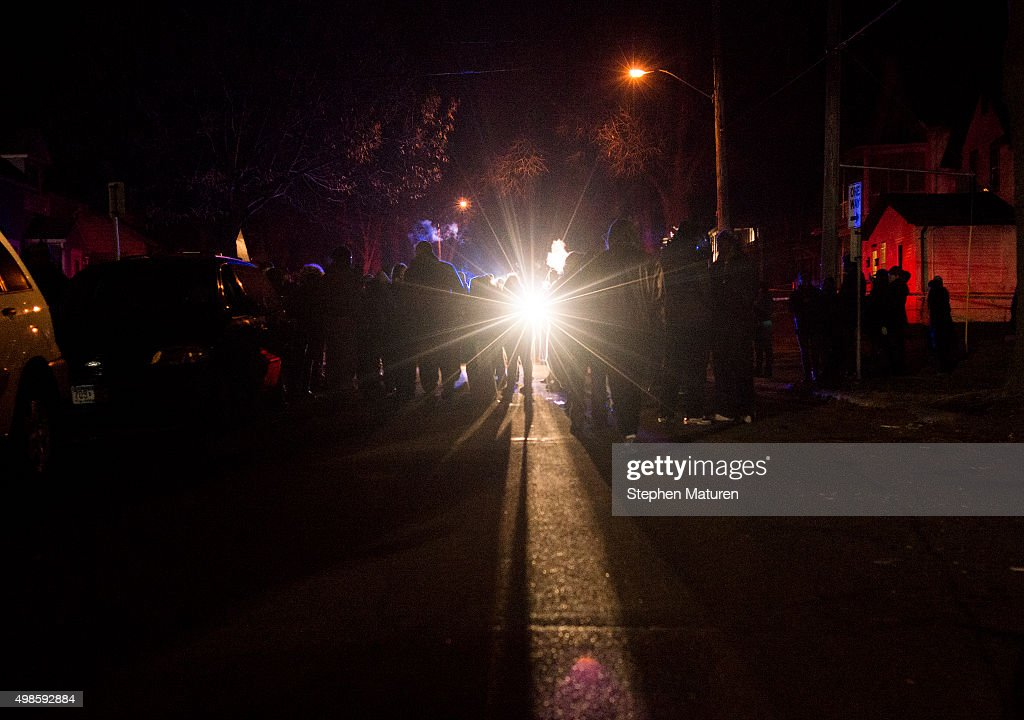 5 People Protesting Police Killing Of Jamar Clark Allegedly Shot By White Assailants : News Photo