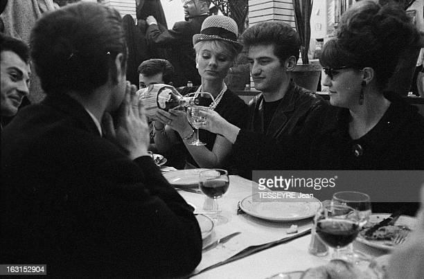 Group 'Les Chaussettes Noires'. Creteil, Paris- 6 decembre 1962- Le groupe de rock français'Les Chaussettes noires': dans un restaurant, le groupe...