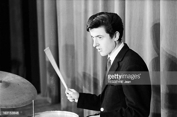 Group 'Les Chaussettes Noires'. Creteil, Paris- 6 decembre 1962- Le groupe de rock français'Les Chaussettes noires': le batteur Jean-Pierre...