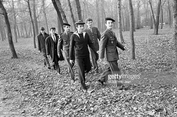 Group 'Les Chaussettes Noires'. Cretéil, Paris- 6 decembre 1962- Le groupe de rock français'Les Chaussettes noires': en forêt, le groupe musical se...