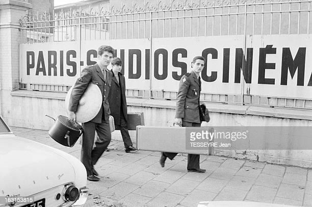 Group 'Les Chaussettes Noires'. Cretéil, Paris- 6 decembre 1962- Le groupe de rock français'Les Chaussettes noires': Eddy MITCHELL et Aldo MARTINEZ...