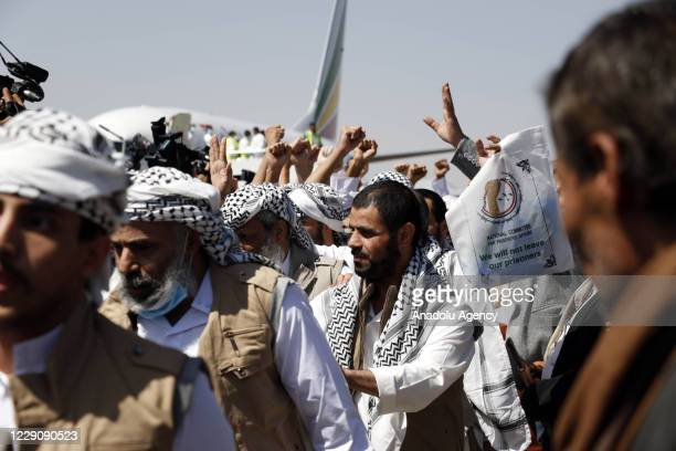 Group of 230 Houthi prisoners arrive at Seyoun Airport by a plane of the International Committee of the Red Cross after the Yemeni government and the...