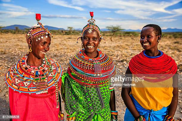 group of african women from samburu tribe, kenya, africa - kenia fotografías e imágenes de stock