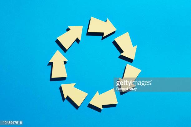 a group of arrows arranged in a circle - ideas stock pictures, royalty-free photos & images